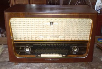 roehrenradio-1950er-rft-diamant-ii-funktioniert-schoener-klang