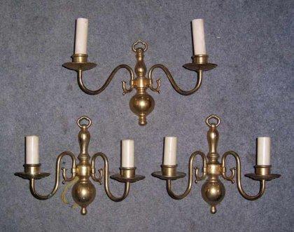 drei-aeltere-wandlampen