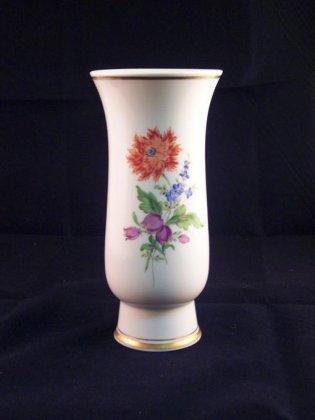 meissen-vase-mit-blumenmalerei