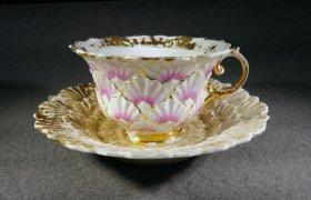 meissen-tasse-prunktasse-um-1820-biedermeier-relief-rosa-gold-1-wahl