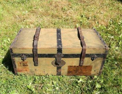 reisekoffer-reisekiste-um-1880
