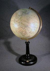 globus-um-1910-mit-kompass-p-ostergaard-columbus