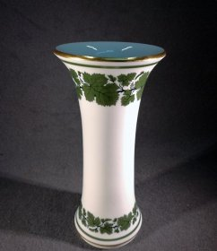 grosse-vase-weinlaub-u-gold-meissen-um-1880-1-wahl