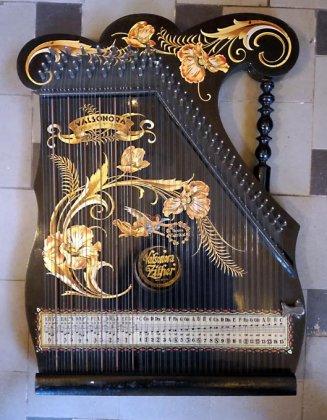 zither-valsonora-zither-orig-schluessel-karton-und-viele-notenblaette