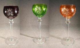 drei-roemer-kristall-weinroemer-orange-gruen-und-rot-fuss-facettiert-mit-baluster-auch-einzeln.13