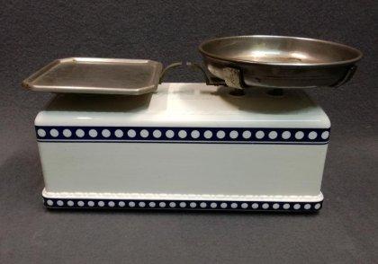 kuechenwaage-krups-weis-mit-blau-dekor-1900-1920