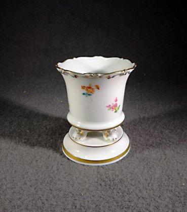 meissen-vase-fuesschenvase-streubluemchen-mit-gold1