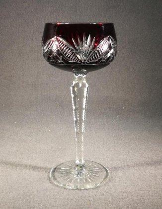 roemer-kristall-weinroemer-rot-mit-facettiertem-fuss-kanten-gekerbt-1-von-2
